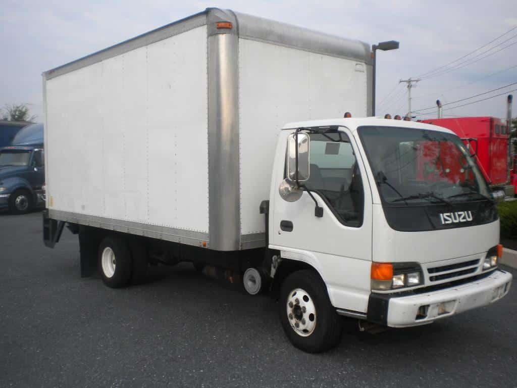 truk box warna putih